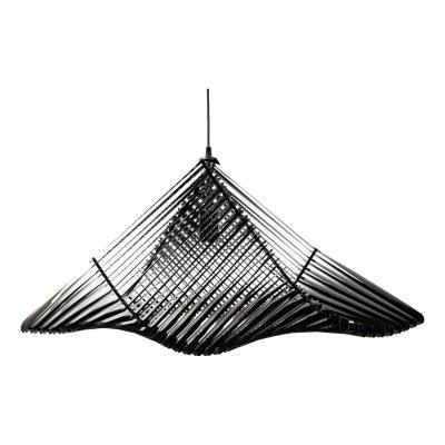 Exkluzív függesztett mennyezeti lámpa, S-es méretű, ívelt, fekete - PIGEON